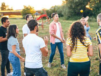 Outdoor Training Team Building