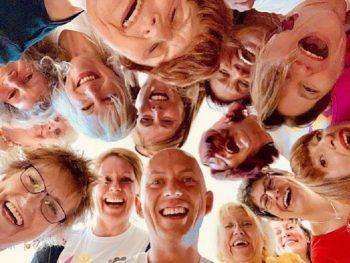 Team Building Yoga della Risata